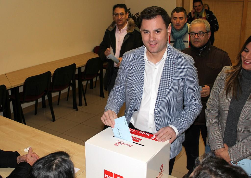 El PSOE de León anima a su militancia a votar a favor del preacuerdo con  Unidas Podemos