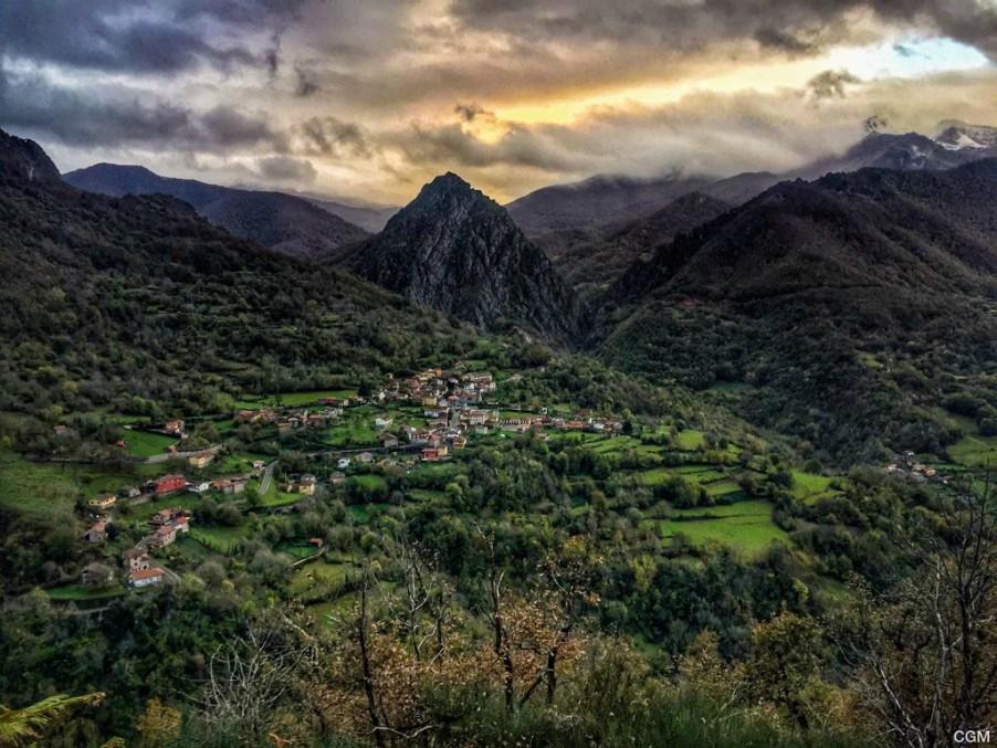 Posada de Valdeón y Oseja de Sajambre piden ayuda para acabar con la falta de cobertura que aísla y pone en peligro sus valles en pleno temporal