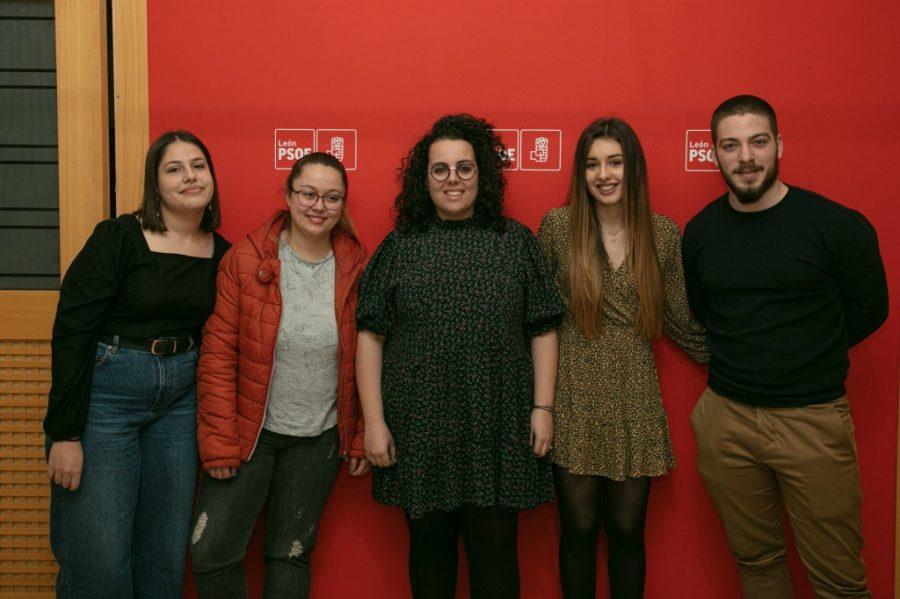 Juventudes Socialistas de León y Ponferrada exigen al Gobierno autonómico compromiso con la unidad de radioterapia en el Bierzo