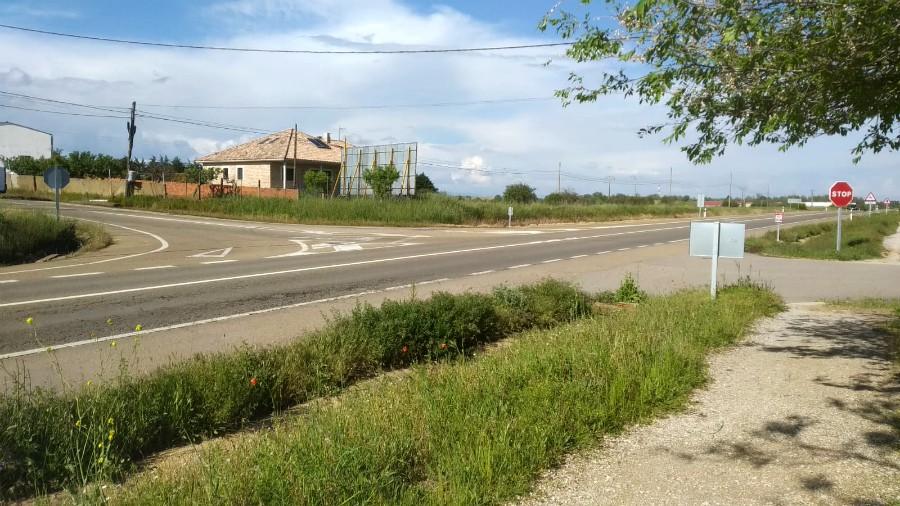 El PSOE de Valverde de la Virgen logra el expediente para la construcción de la rotonda de la N-120 en el cruce de Montejos del Camino
