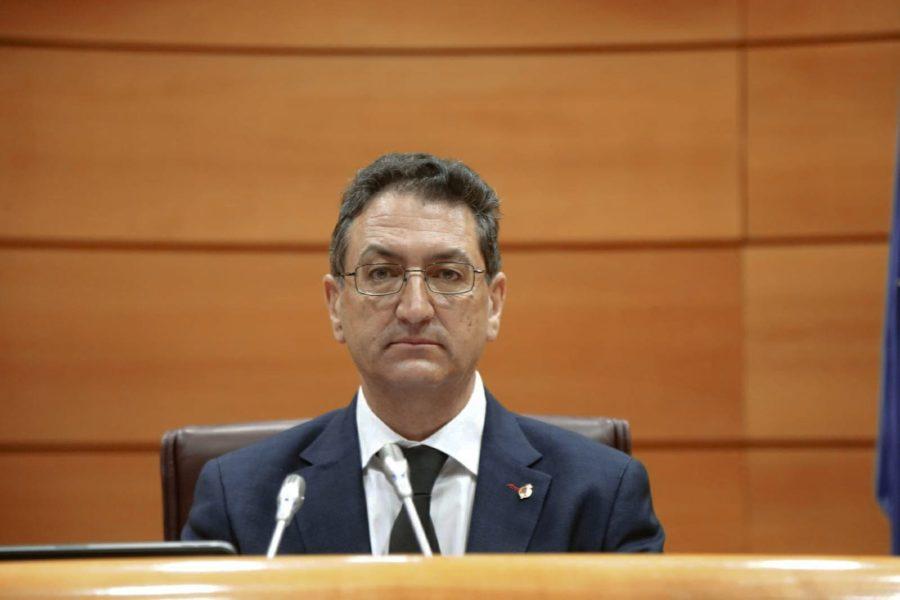 El senador Salvador Vidal pide al Gobierno reforzar y mejorar el servicio público de exámenes de la DGT en León para reducir el tiempo de espera entre la prueba teórica y la práctica
