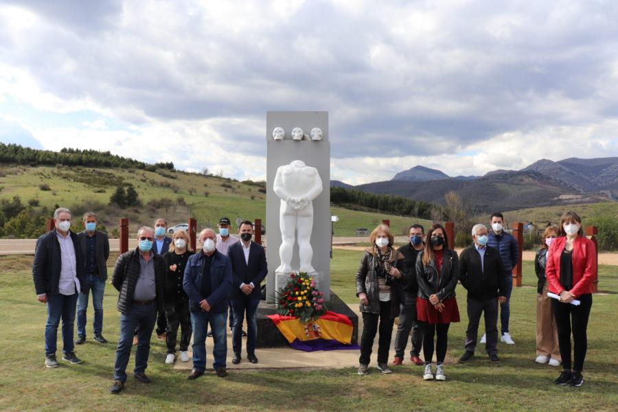 El PSOE de León rinde homenaje a los represaliados del franquismo y ensalza la Ley de Memoria Democrática como herramienta reparadora