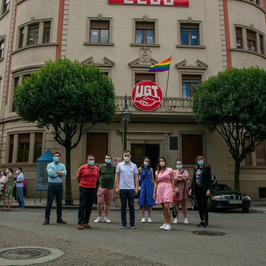El PSOE de León comparte un día de reivindicación y celebración de la lucha del movimiento LGTBI