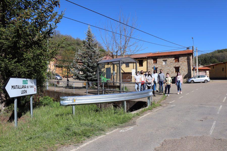 El PSOE logra que el bus escolar entre en Manzaneda de Torio