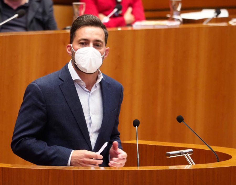 """El PSOE se mantiene abierto al diálogo por la sanidad pública, pero tacha el acuerdo de la derecha de """"operación cosmética"""""""