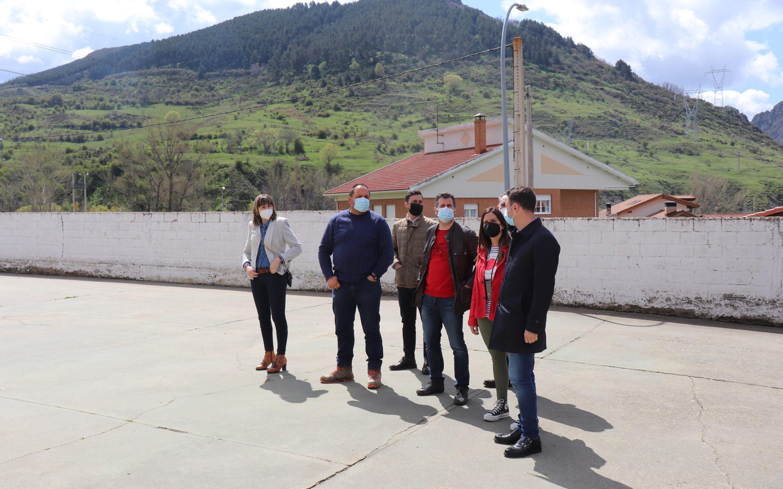 El Grupo Parlamentario Socialista urge a la Junta la inversión necesaria para las obras del colegio público Santa María de Arbas en Villamanín ante la amenaza de desprendimientos
